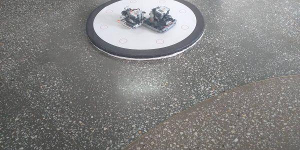 Ринг для соревнований, среди роботов